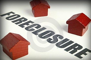 Competing Against Foreclosures
