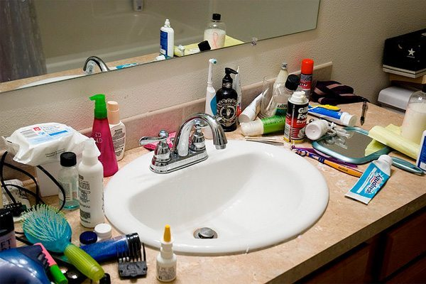 Bathroom Decluttering to sell