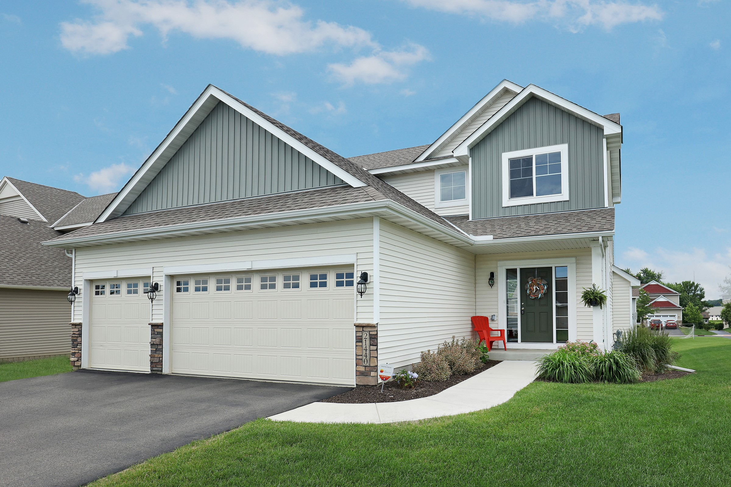 Beautiful Lakeville 2 Story for Sale