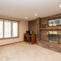 7805 133rd St W, Apple Valley, MN 55124 (67)
