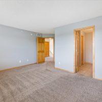15621 Eaglewood Ln, Apple Valley, MN 55124 (43)